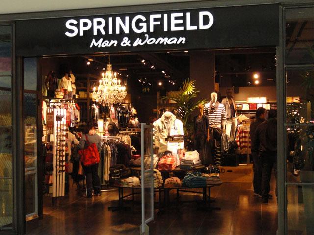 eab83d3e0838 Diseño de tiendas de ropa de Springfield