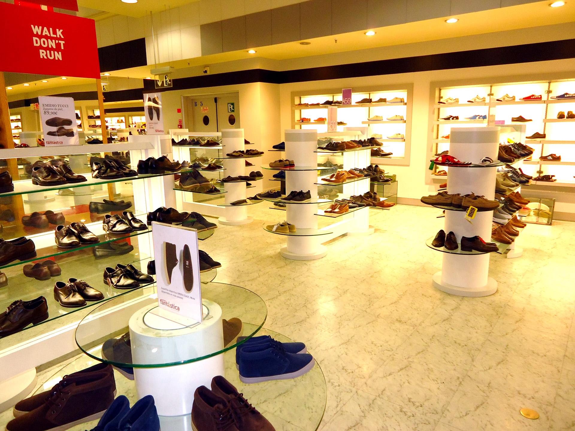 Dise os personalizados de tiendas de zapater a algama for Disenos de zapaterias modernas